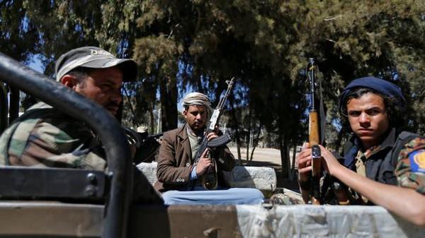 الحكومة تهدد بوقف المفاوضات إذا مضى الحوثي في أحكام الإعدامات